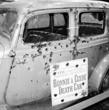 'Bonnie and  Clyde' rode around in a Porsche