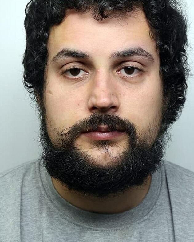 Schizophrenic man detained for shoving finance expert in front of Tube
