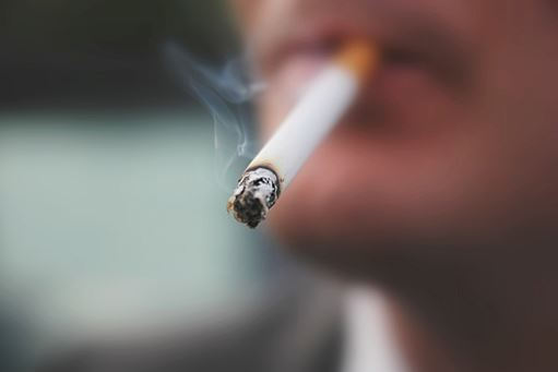 Smoker cleared of attacking cousin at family do