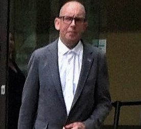 Screever avoids jail for girlfriend attack