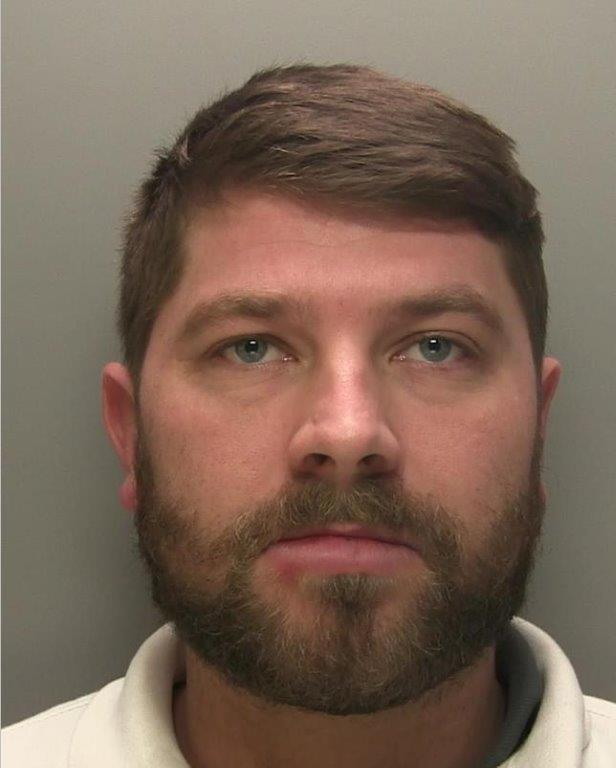 Bogus City trader blew clients' cash on the high life