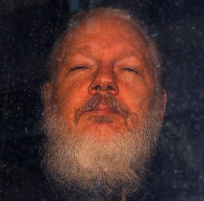 Lawyers 'can't see Assange in Belmarsh'