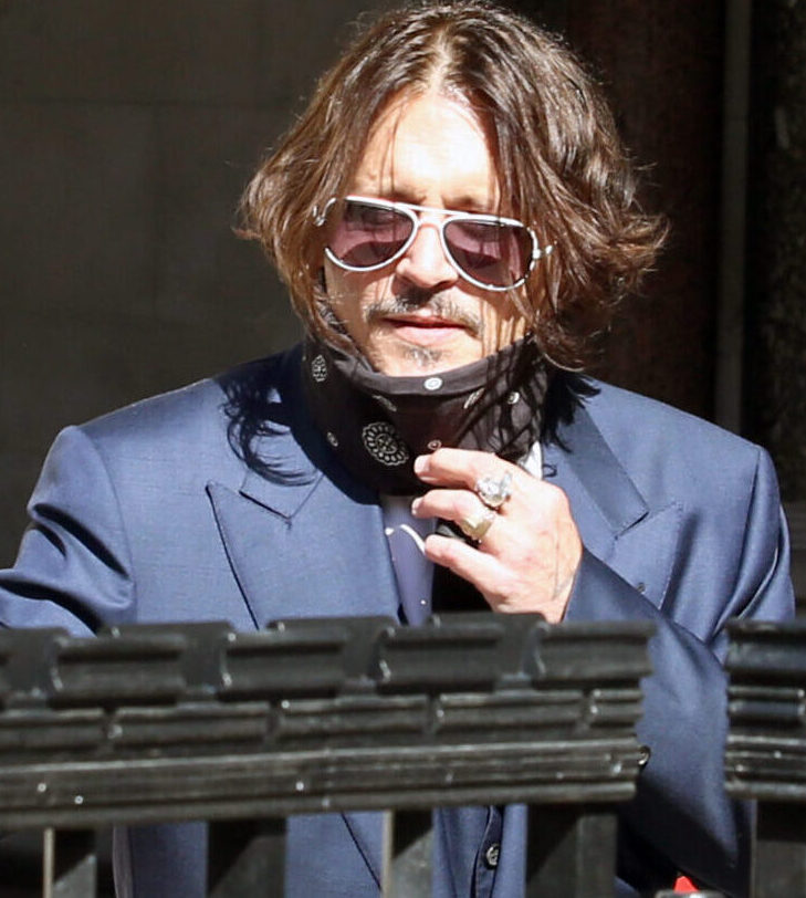 Depp's ashamed of drugged awards ceremony performance