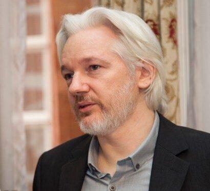 Assange: Peace professor blames Trump