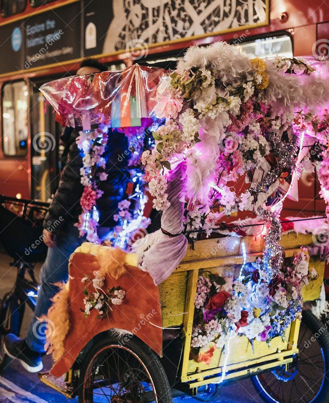 Rickshaw riders restrain Rolex robber